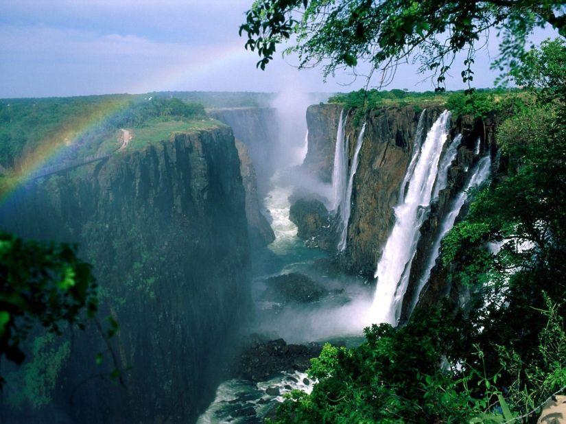 Cachoeiras-de-Vitoria_1600x1200