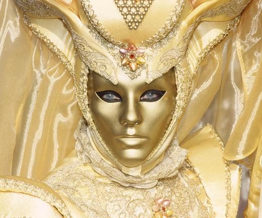mascara-dourada_all